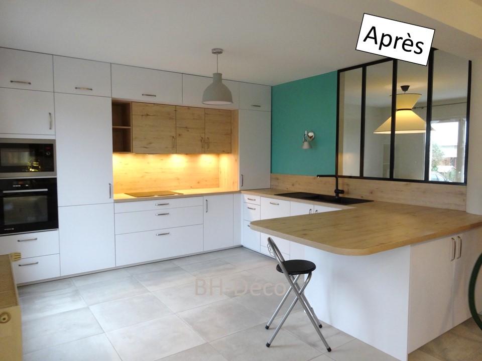 12 BH-Déco cuisine ouverte blanche bois bleu céladon et verrière