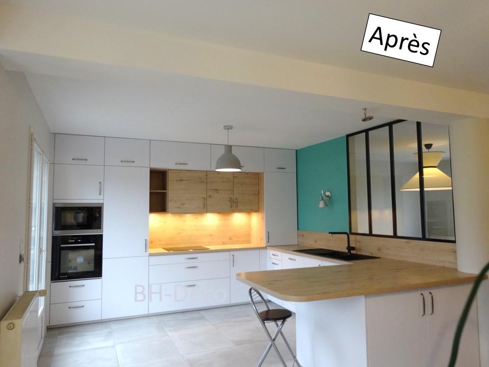 13 BH-Déco cuisine ouverte blanche bois bleu céladon et verrière