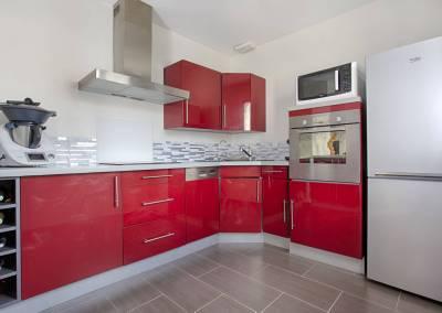 BH-Déco - Sylvie Samain - Home staging - Maison - Vendue - Cuisine rouge