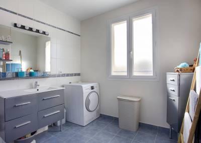 BH-Déco - Sylvie Samain - Home staging - Maison - Vendue - Grande salle de bain