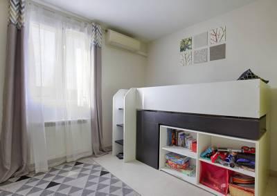 BH-Déco - Sylvie Samain - Home staging - Maison - Vendue - Chambre enfant vert anis et grise
