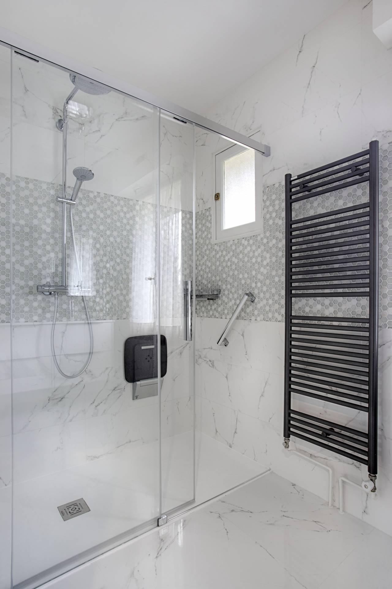 Salle De Bain Carrelage Marbre rénovation de 2 salles de bain à corbeil essonne | bh déco