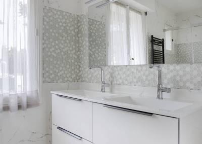 BH-Déco - Sylvie Samain - transformation, rénovation d'une petite salle de bain en grande salle d'eau - double vasque
