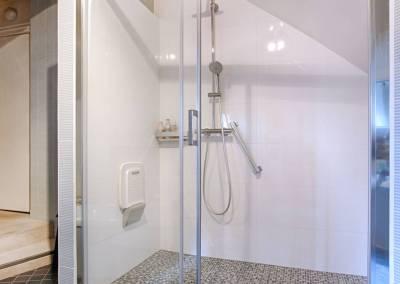 BH-Déco - Sylvie Samain - Rénovation d'une douche XXL dans un salle de bain