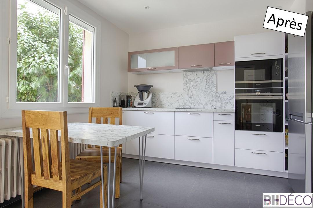 3 - Cuisine laquée blanche, stratifié marbre et portes vieux rose - BH-Déco