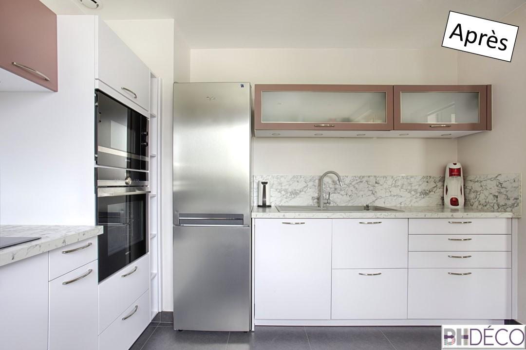 5 - Cuisine laquée blanche, stratifié marbre et portes vieux rose - BH-Déco