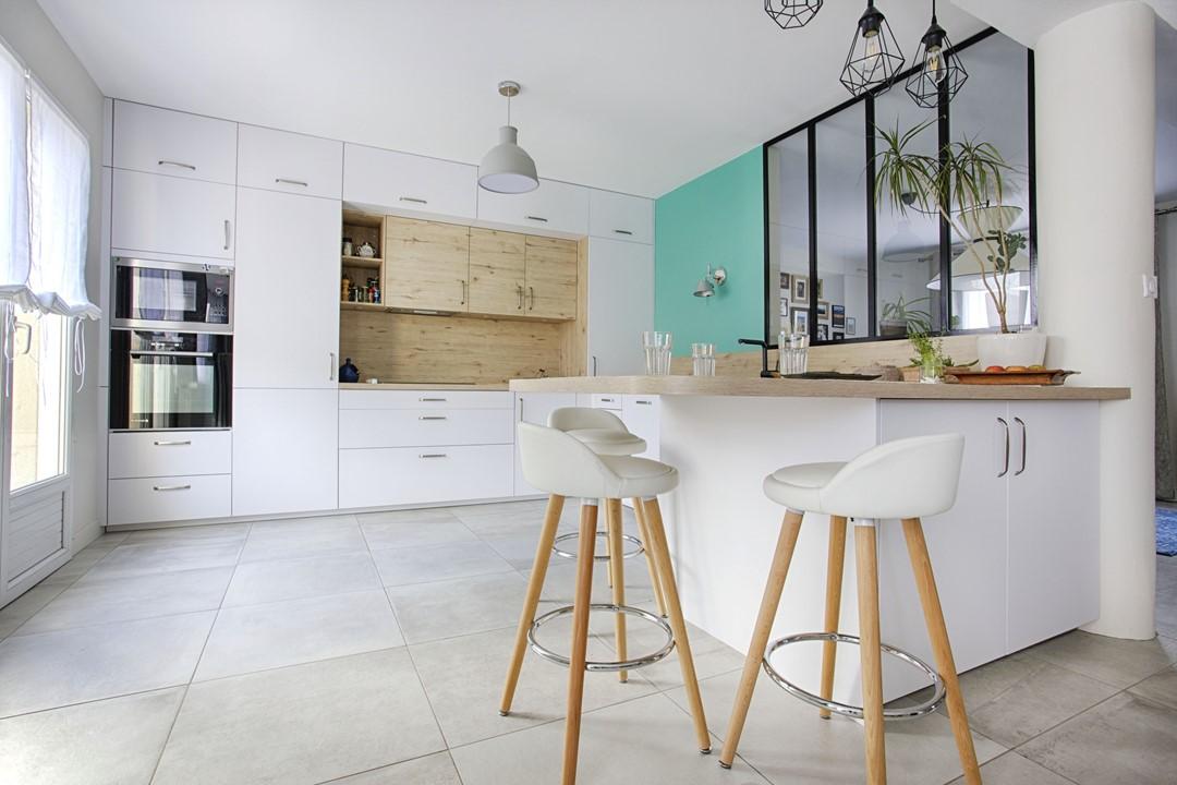 emejing cuisine toute hauteur contemporary. Black Bedroom Furniture Sets. Home Design Ideas