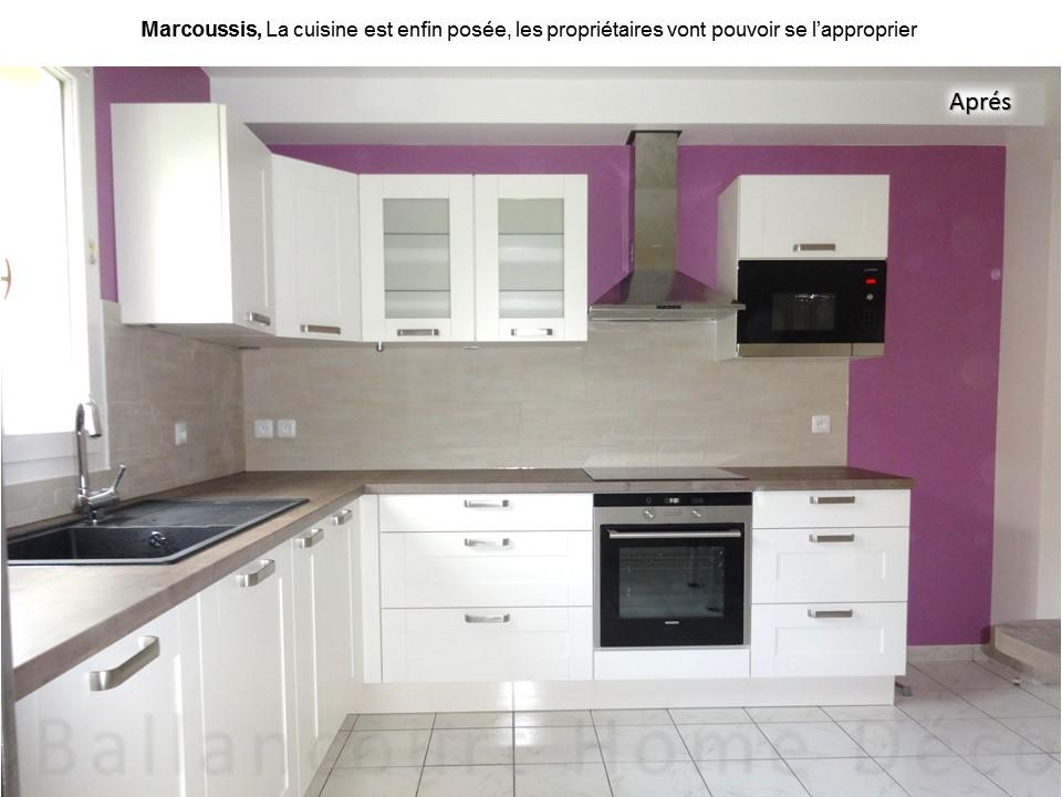 6 Cuisine laquée blanche mur violet