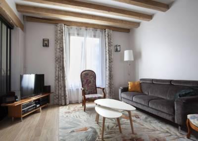 BH-Déco - Sylvie Bernard Samain rénovation complete du RdC d'une maison à Villebon sur Yvette salon gris et beige