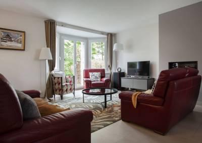 BH-Déco - Sylvie Bernard Samain rénovation complete du RdC d'une maison Levit à Mennecy Salon meubles céramique