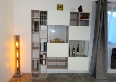 BH-Déco - Sylvie Samain - Rénovation décoration Séjour sol marbre meuble blanc laqués et bois