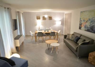 BH-Déco - Sylvie Samain - Rénovation maison accessibilité PMR Séjour lumineux bleu et gris