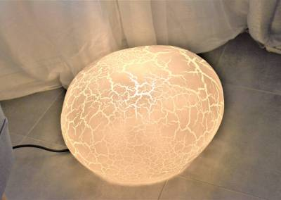 BH-Déco - Sylvie Samain - Rénovation maison accessibilité PMR lampe a posé œuf design