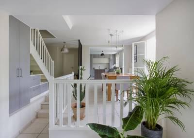 BH-Déco - Sylvie Samain, création d'un meuble sous escalier en face de la salle à manger