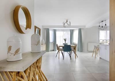 BH-Déco - Sylvie Samain - entrée console salle à manger bois chêne massif naturel velours lin taupe turquoise, luminaires résine et bois Rideaux naturels lin turquoise