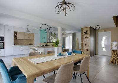 BH-Déco - Sylvie Samain - espace de vie contemporain matières naturelles bois blanc turquoise, lin chêne laque mate fer forgé