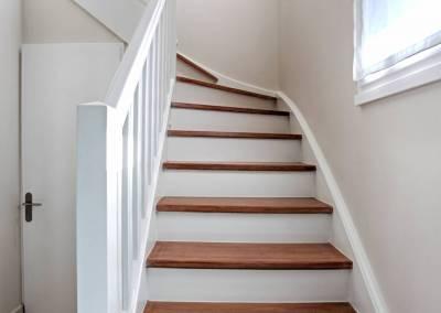 BH-Déco - Sylvie Samain - rénovation complète RdC rénovation - décoration de l'escalier