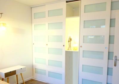 BH-Déco - Sylvie Samain - rénovation complète appartement chambre dressing portes coulissantes