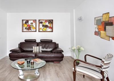 BH-Déco - Sylvie Samain - rénovation complète appartement coté salon lin et cuir