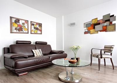 BH-Déco - Sylvie Samain - rénovation complète appartement salon lin et cuir