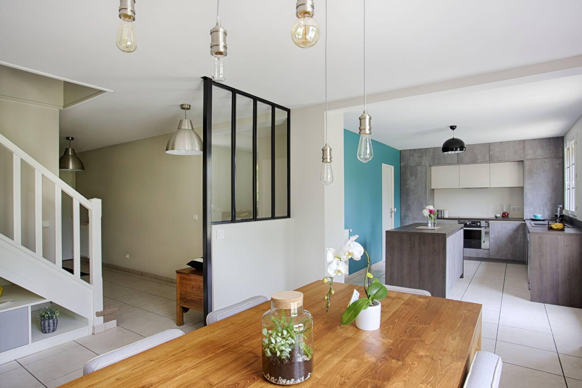 Une cuisine avec verrière à Mennecy