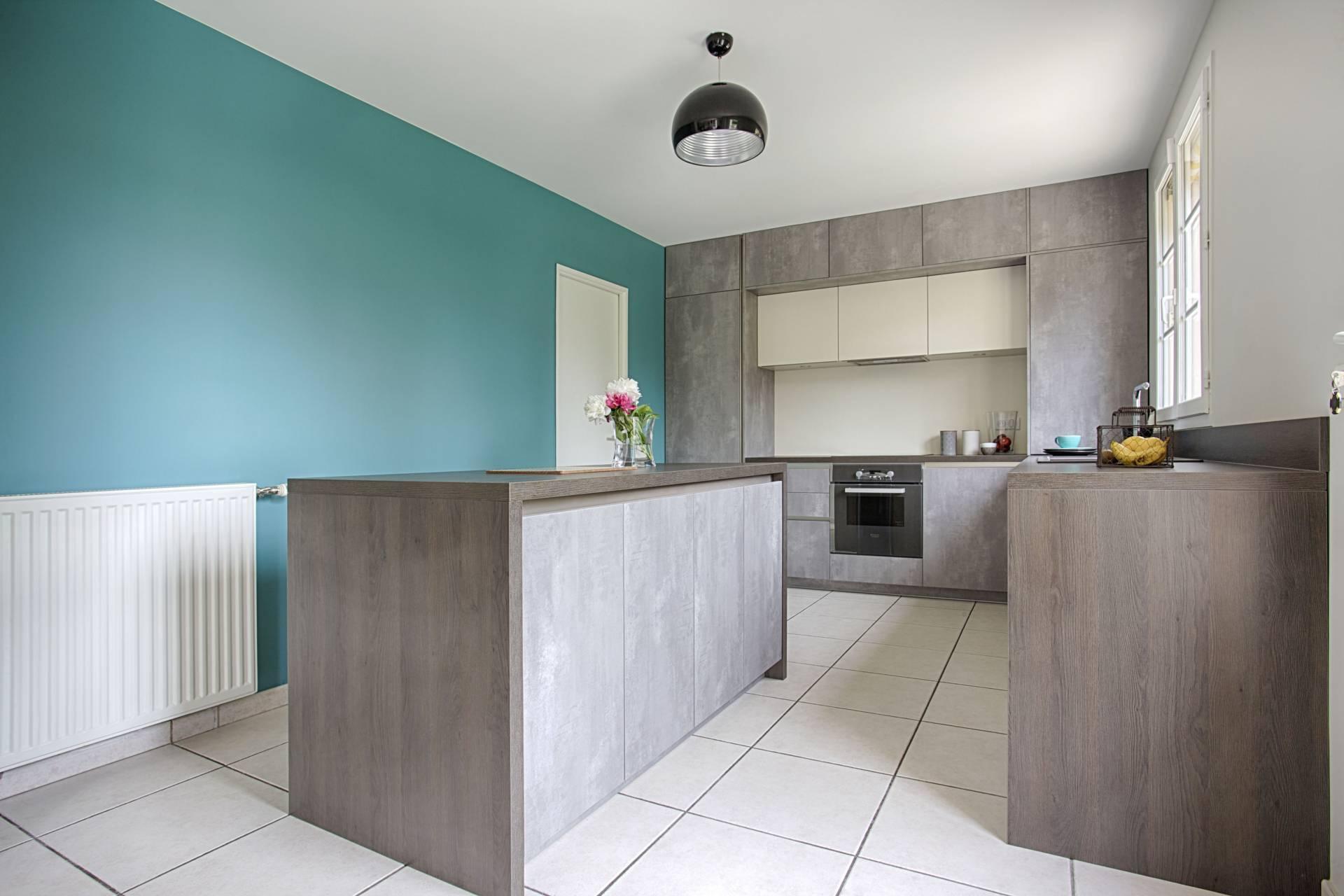 Création cuisine ouverte et d'un meuble sous escalier