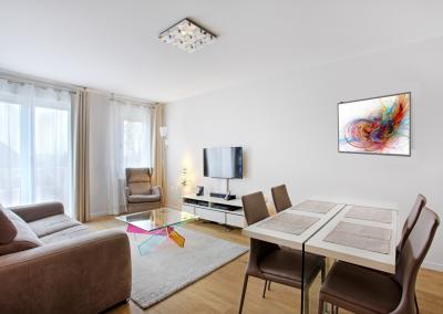 BH-Déco - Sylvie Samain, rénovation totale d'un appartement espace salon salle a manger lin