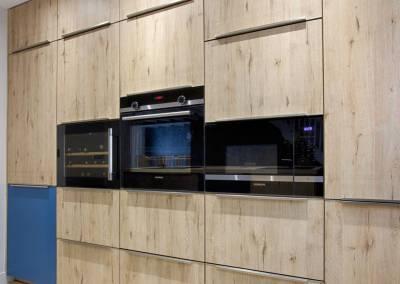 BH-Déco - Sylvie Samain, rénovation du RdC d'une grande maison, mur de meuble dans la cuisine