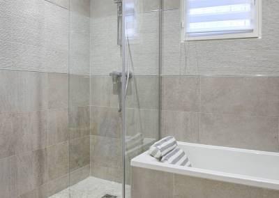BH-Déco - Sylvie Samain, rénovation du RdC d'une grande maison, optimisation petits espace, salle de bain