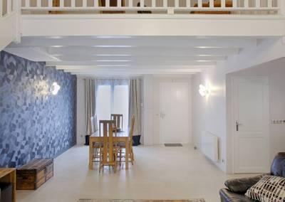 BH-Déco - Sylvie Samain, rénovation du RdC d'une grande maison, perspective séjour mezzanine