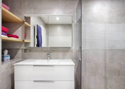 BH-Déco - Sylvie Samain, rénovation du RdC d'une grande maison, petite salle de bain