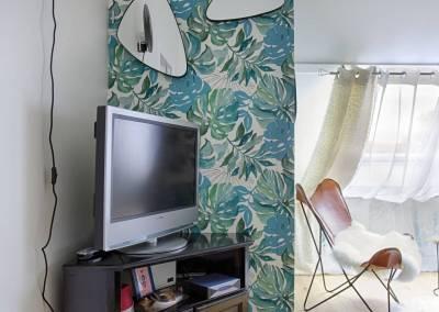 BH-Déco - Sylvie Samain - suite parentale chambre jungle bleu vert miroirs sallfauteuil cuir