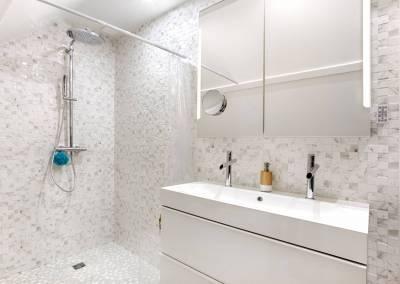 BH-Déco - Sylvie Samain - suite parentale chambre jungle salle de bain douche XXL