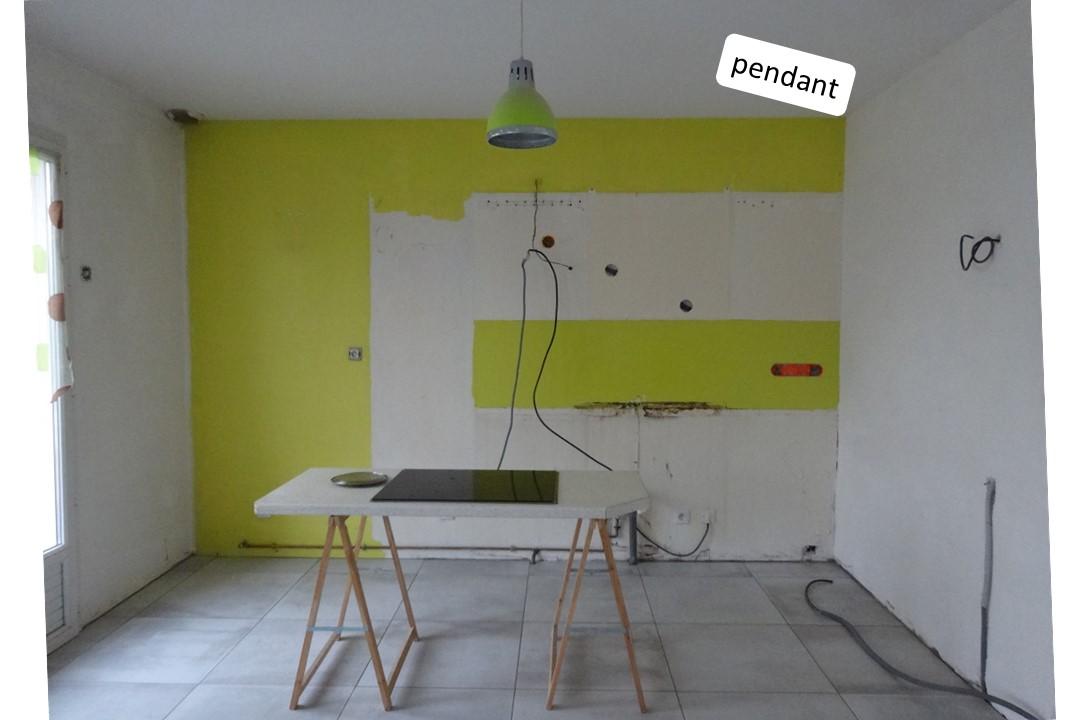 BH-Déco cuisine ouverte blanc mat et bois verriere ilot central 1