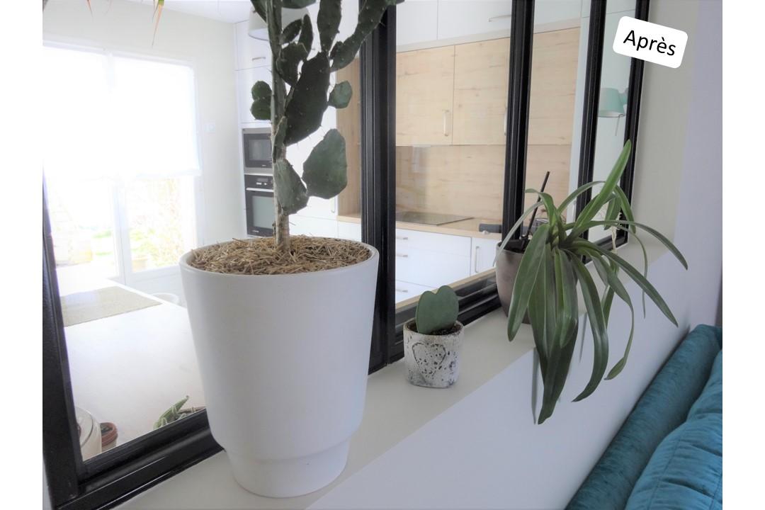 BH-Déco cuisine ouverte blanc mat et bois verriere ilot central 10