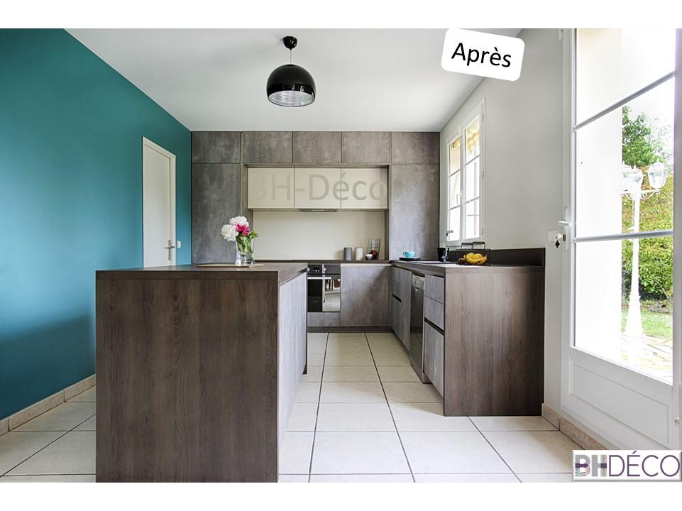 BH-Déco - ouverture rénovation cuisine meubles beton gris ilot central mur bleu 6