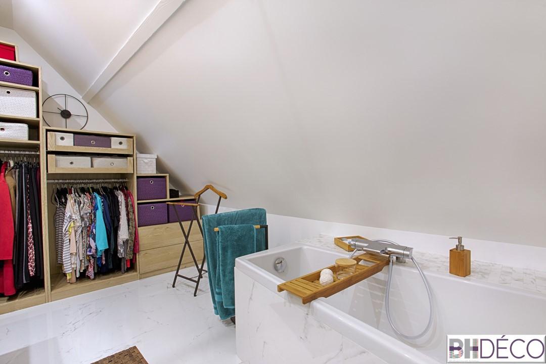 BH-Déco - suite parentale chambre jungle bleu vert miroirs salle de bain marbre 8